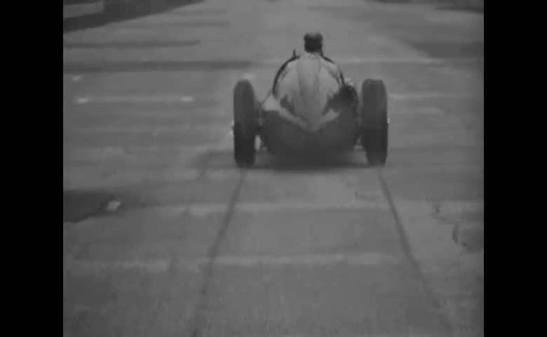 J. M. Fangio prova il Cinturato Pirelli con Alfa 159 sulla pista di Monza
