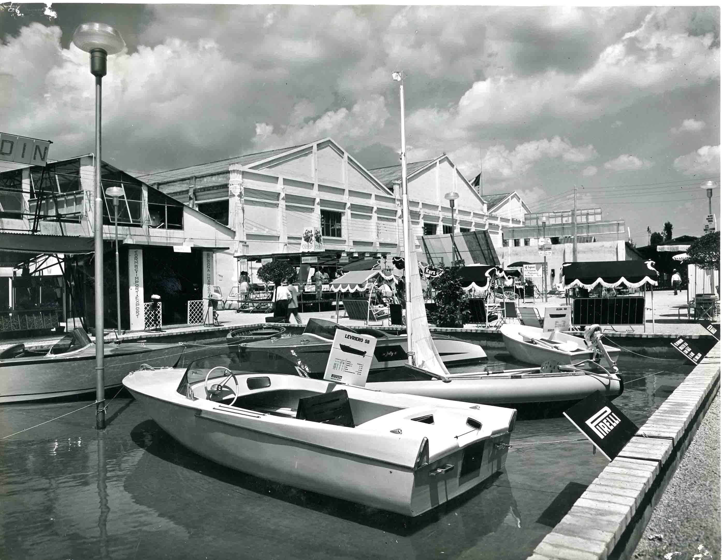 Fiera di padova del 1958 fotografie archivio storico for Fiera arredamento padova