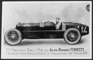 I piloti Gastone Brilli Peri e Pietro De Paolo della scuderia Alfa Romeo nel 1925