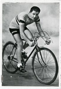 Il corridore ciclista Alfredo Binda