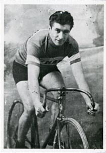 Il corridore ciclista Giovanni Brunero