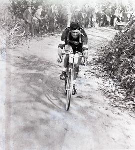 Il corridore ciclista Alfredo Binda nel 1925